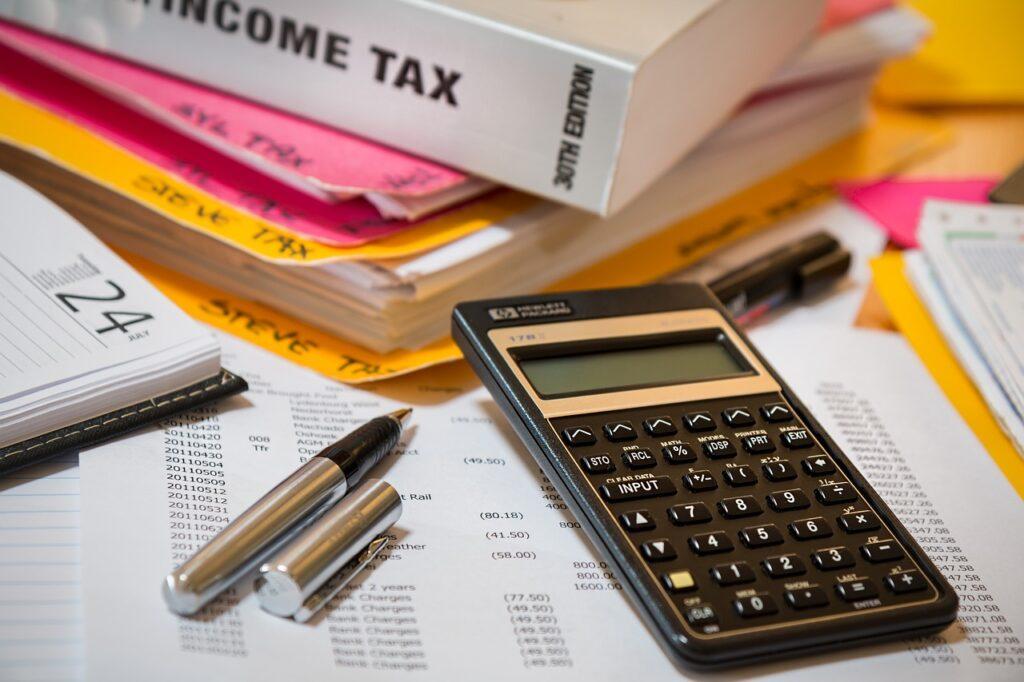 income tax, calculator, accounting-4097292.jpg